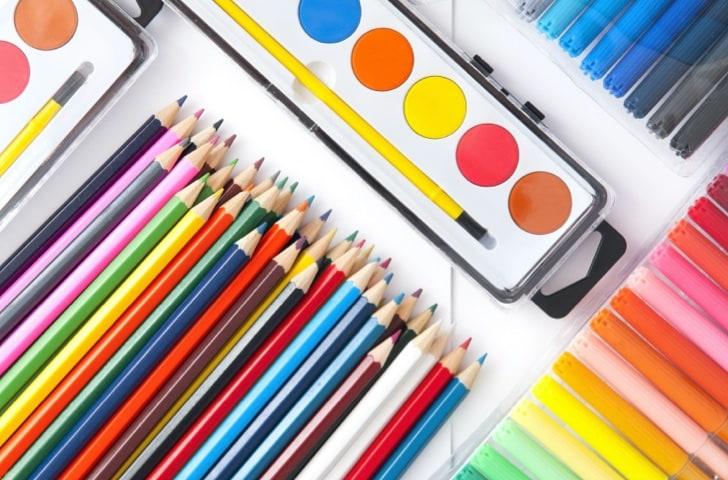 Feutres, crayons et aquarelles